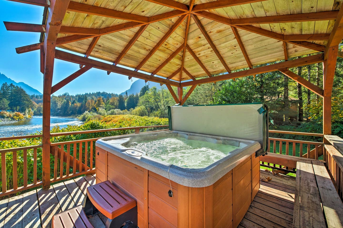 Treat yourself to a beautiful nature retreat at this vacation rental home.