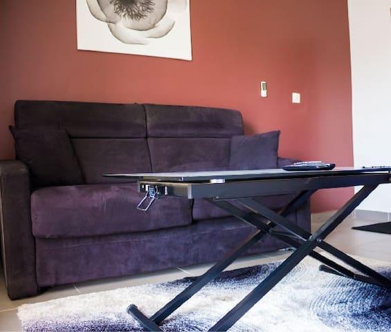 Studio meuble vdn cpi appartements louer dakar for Appartement meuble a louer dakar senegal