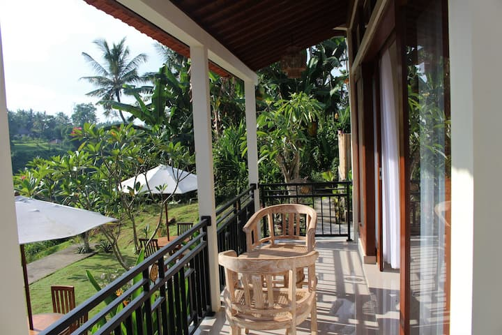 Bumbu Asli private house,waterfall view Room 3