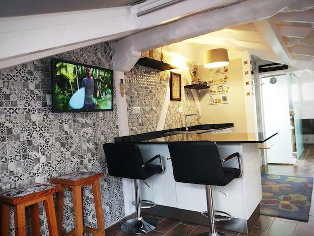 Coqueto ático loft en pleno casco antiguo con wifi