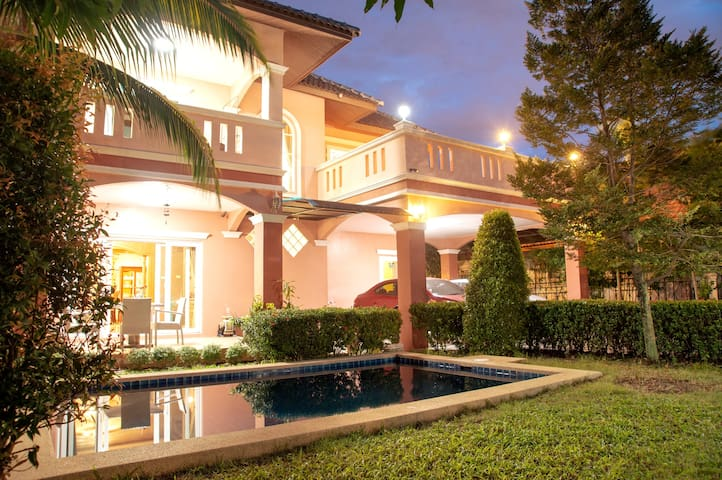 Relaxing 3 Bed Pool Villa, Pattaya