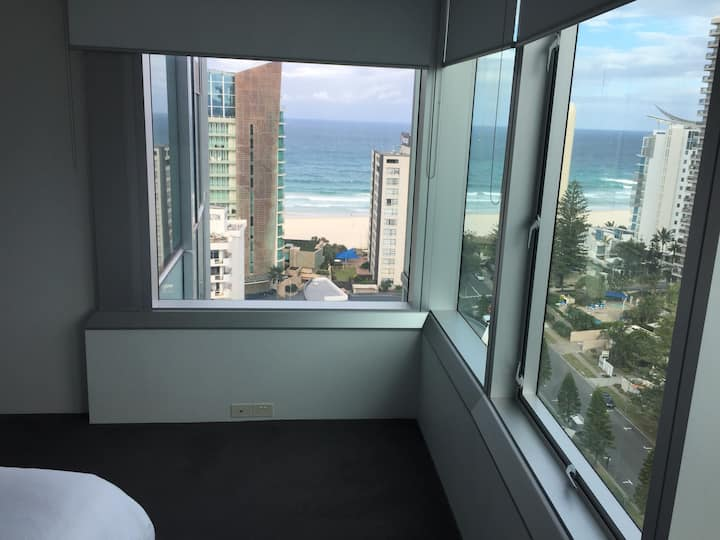 AT BEACH in Iconic Resort- 2 bedroom-180% views