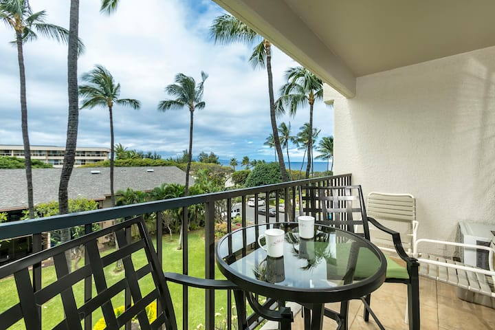 C405 Beautiful ocean view condo in South Kihei