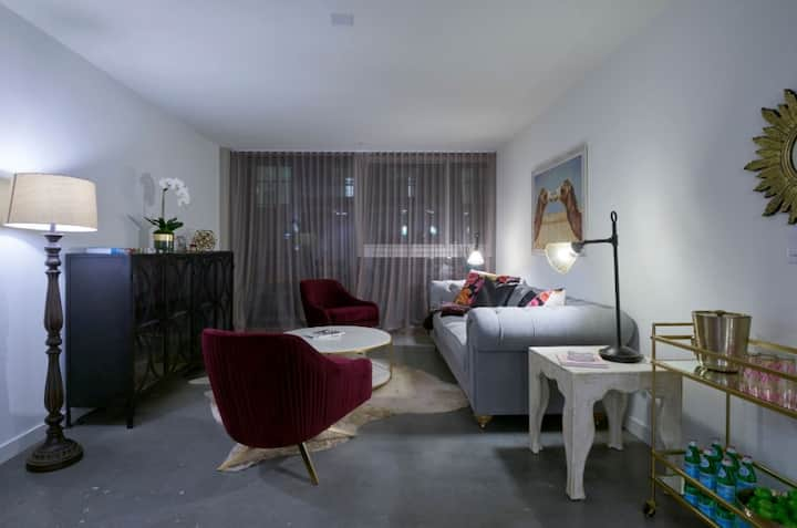 Upscale apartment home | 1BR in Los Angeles