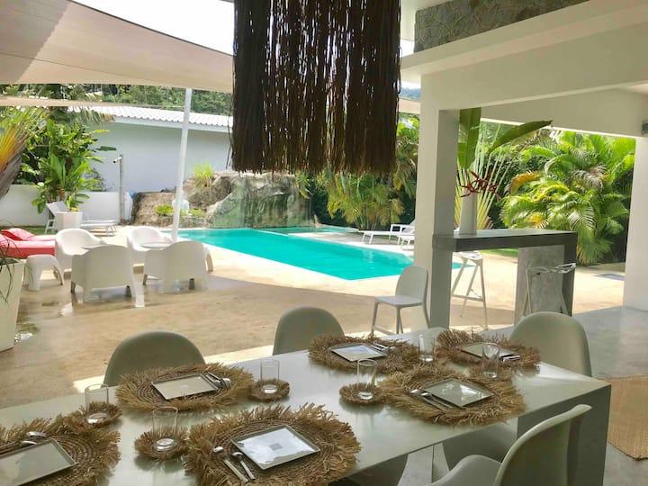 Villa moderne 3 chambres avec piscine et jacuzzi