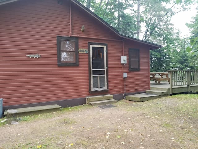 Old Stoney's Resort- Musky Cabin