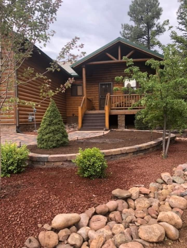 """Retreat to the Pines- Torreon Luxury Cabin"""