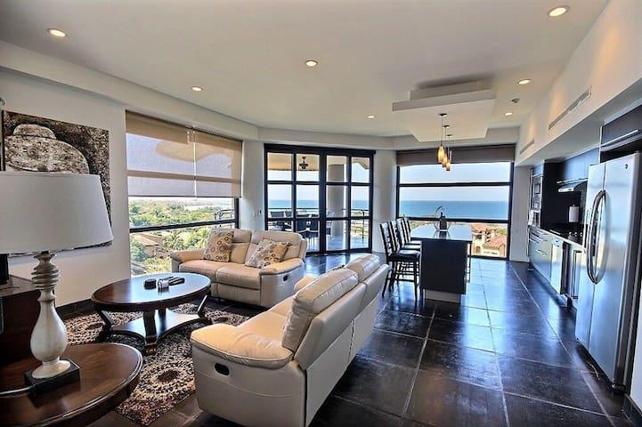 Elegant Oceanview Tamarindo SubPenthouse w/3 bdrms