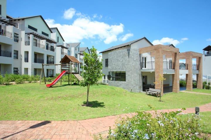 Luxury apartment in upmarket complex in Dainfern