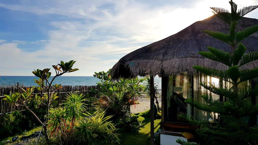 Yellow Slipper Beach Resort, Cabangan Zambales, PH