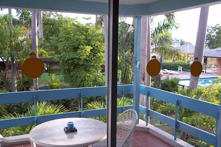 Studio Apartment On Negril Beach - Lejlighed