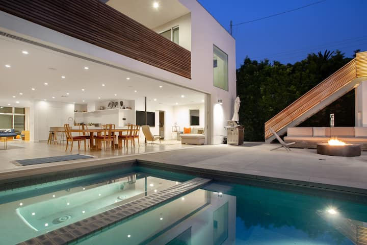 Private Modern Venice Compound with Pool/Spa