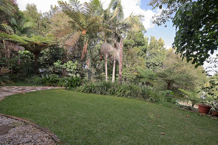 Tranquil self contained studio - Lennox Head - Huis