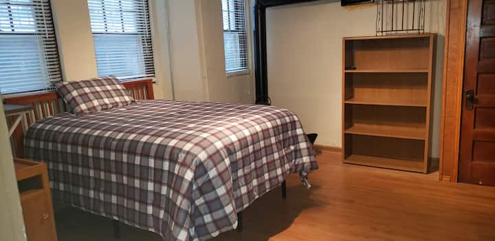 Private Room, Convenient and Cozy in St Paul