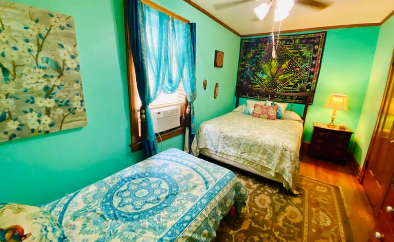 Our Mary Jane Suite: Cute, comfy & Spacious Master room with dresser, closet, ceiling fan, lamp, inside lock, air conditioner, etc.