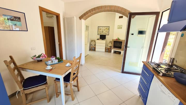 "Charming Holiday Apartment ""Casa La Quiete"" in Quiet Location with Community Pool, Sea View, Air Conditioning & TV; Parking Available"