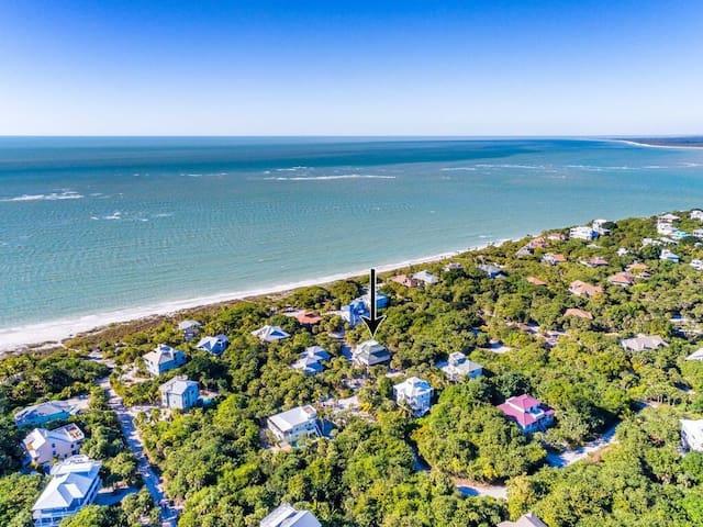 Fl Island Beach House/Private Pool/Steps to Beach