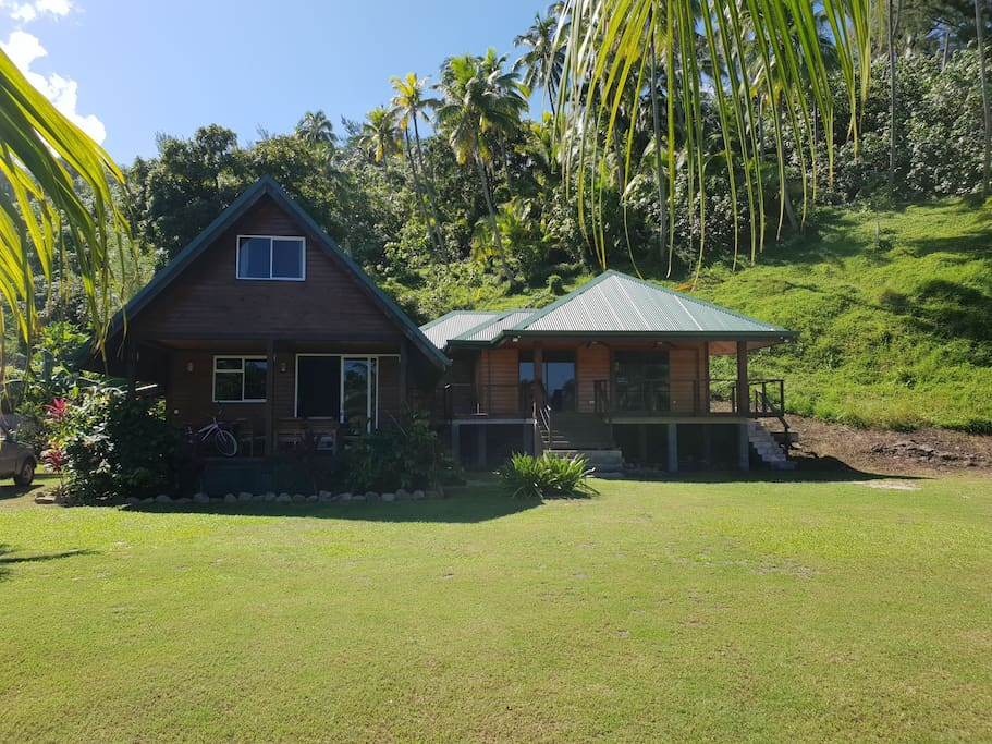 Aloha from Moorea! This is a shot of the house from the front yard...the bungalow on the right is also for rent. Send me a message to find out more details.