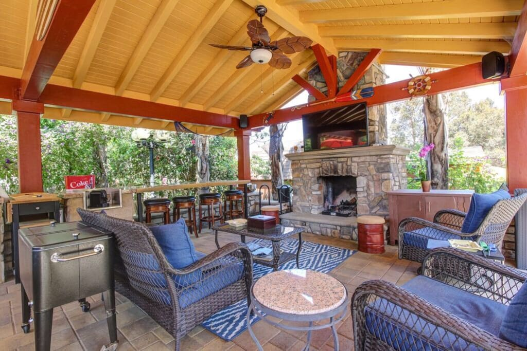 Deck with full kitchen,  outdoor fireplace & TV