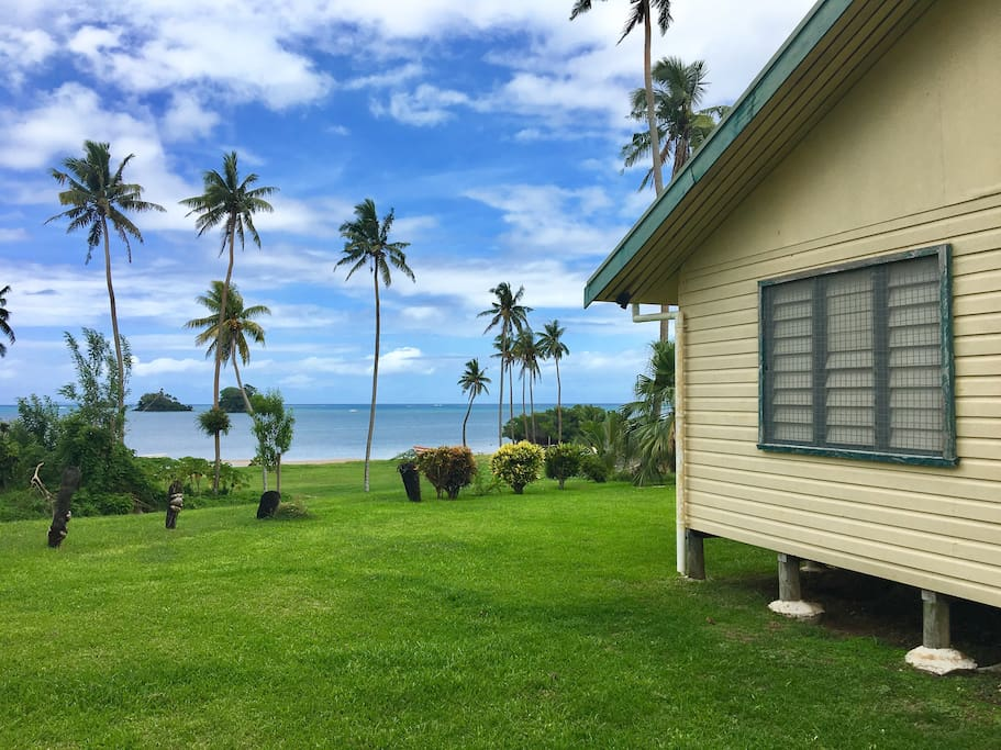 Come to the Pineapple House for a cultural Fijian experience and to see the beauty of Taveuni for yourself!