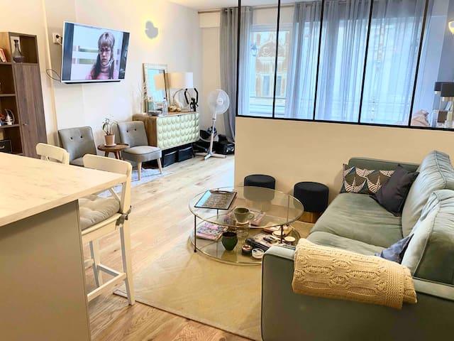 Petit loft zen et cosy avec terrasse bien décoré