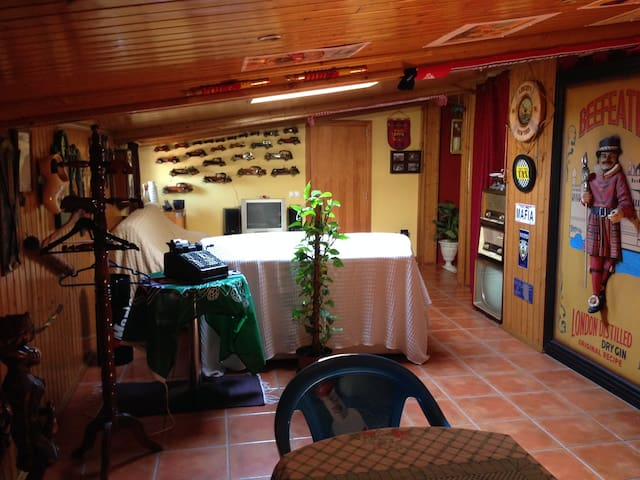 Suíte soalheira e acolhedora a 30 min de Fátima - Monte Redondo - Huis