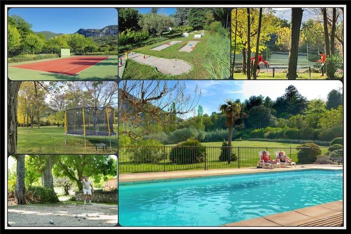 Villa Acacia with pool tennis mini-golf in parc