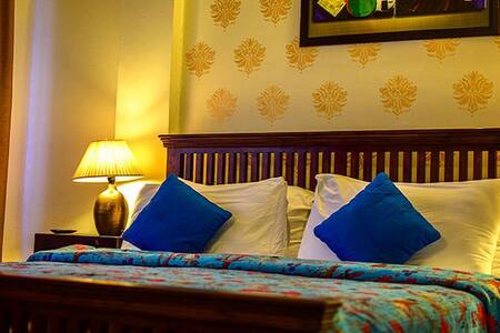 Luxury Room with Balcony n Mountain View@Mussourie