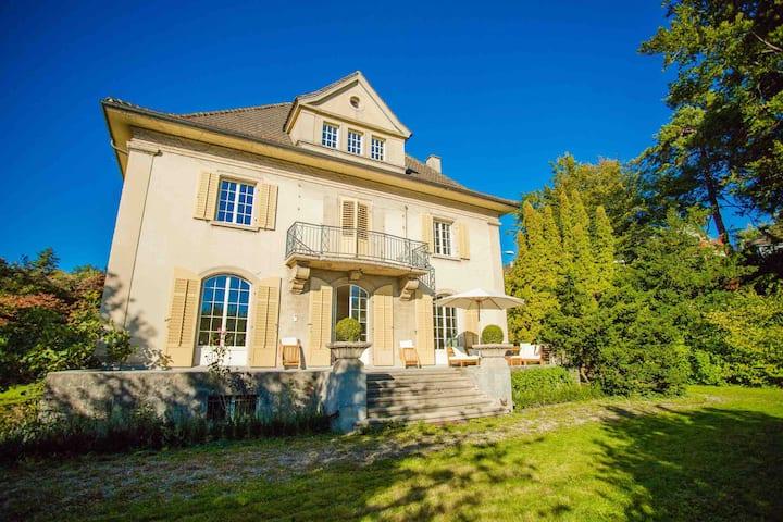 Villa Zurichberg