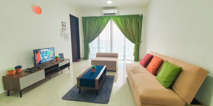 (3.2)Spacious HOME with Balcony:FREE Wifi,Parking