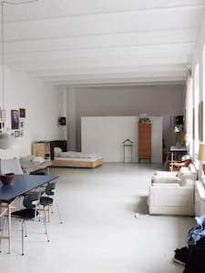 Loft. Individual. Historical Berlin backyard.. - Berlin - Loft