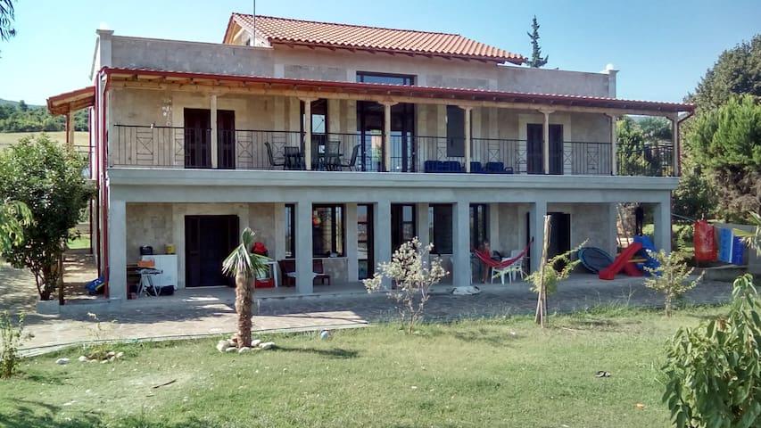 villa helia  studio pour 2 à 4 personnes - Vergina - House