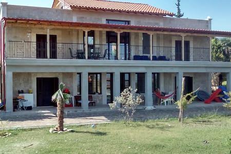 villa helia  studio pour 2 à 4 personnes - Vergina - Rumah
