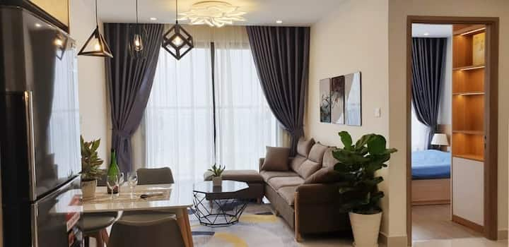 Lucky house 2br luxury aprt @ Vinhome Ocean Park