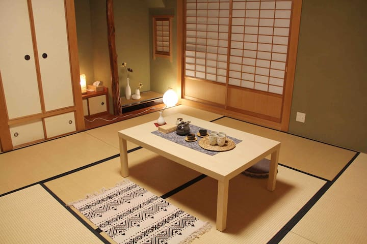 NEW!80㎡,2 rooms! 5 mins' walk to Shinsaibashi!