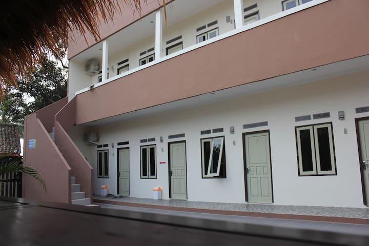 BETTAH COBA HOMESTAY Room 6-10 - Sukabumi - Διαμέρισμα