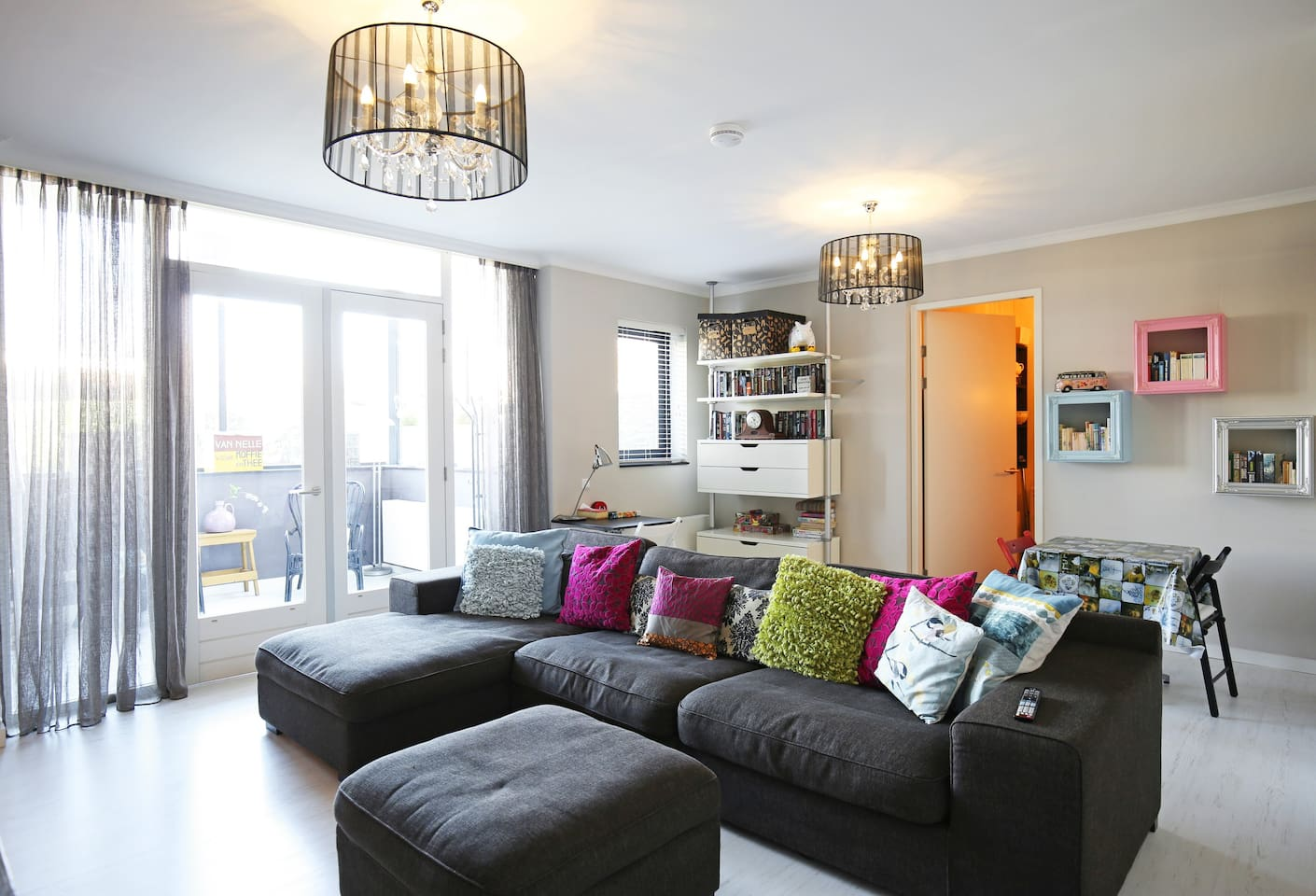 Welcome in our cosy apartment! We are looking forward meeting you.