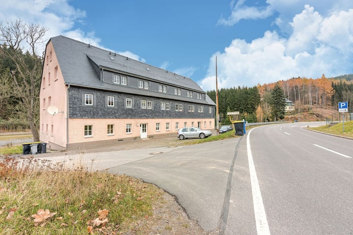 Modern Apartment in Rauschenbach Saxony near Forest