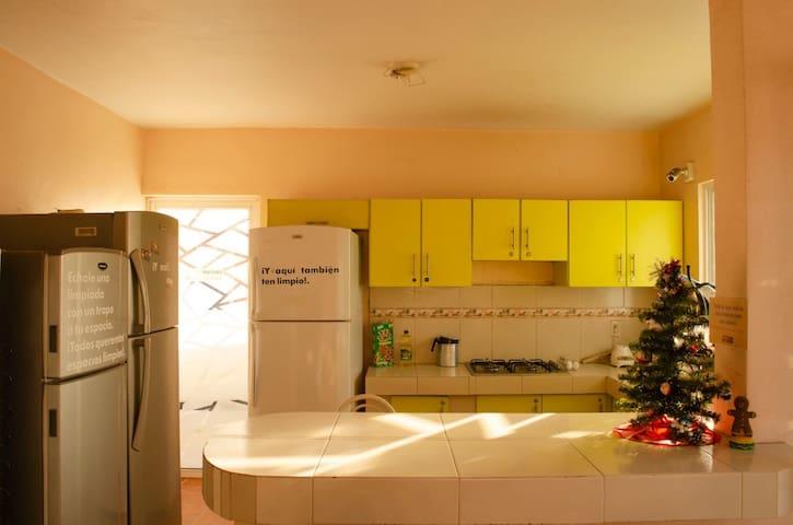 Habitaciones amuebladas, con baño privado Cibeles