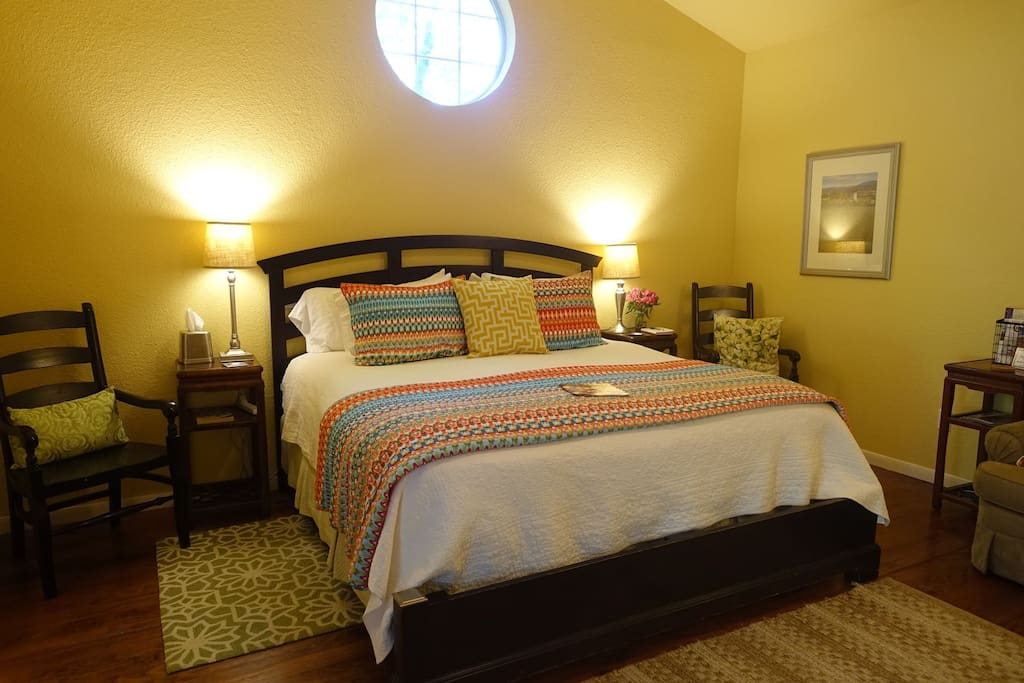 Juniper Room with King size bed