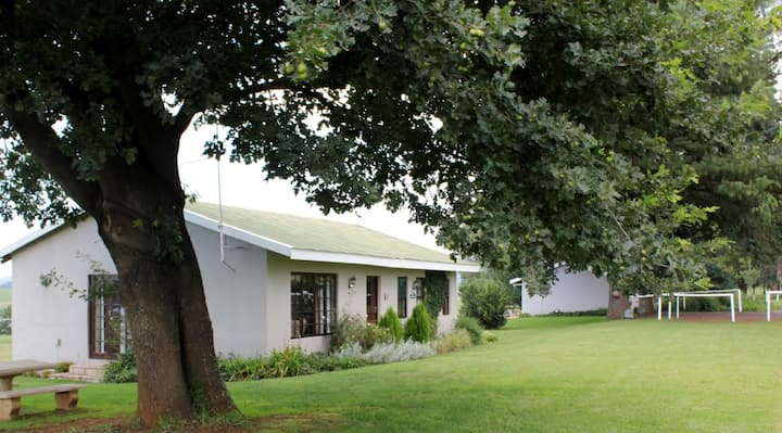 KarMichael Farm - Rose Cottage R590 /pppn