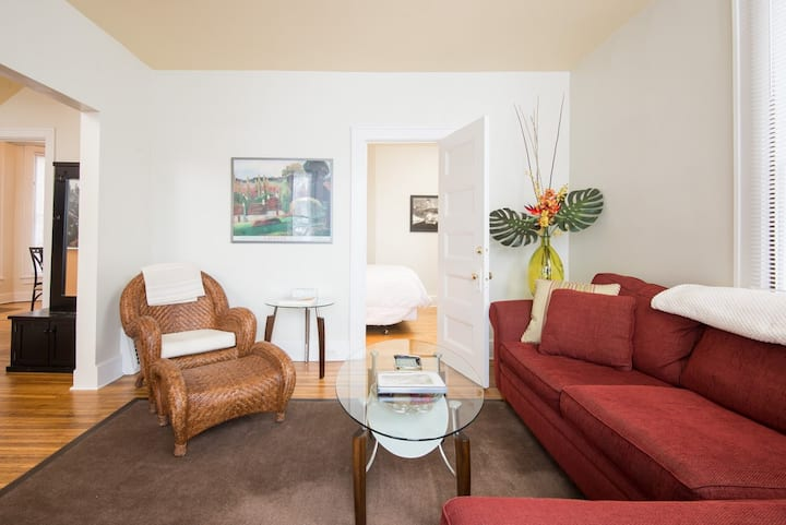 Beautiful, modern, quiet 3BR, $960 special for 14-day stay