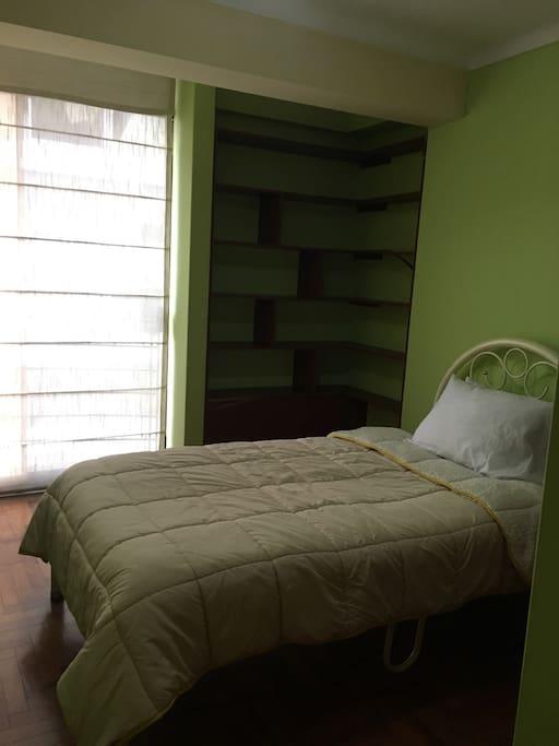 Las habitaciones tienen sus armarios empotrados!