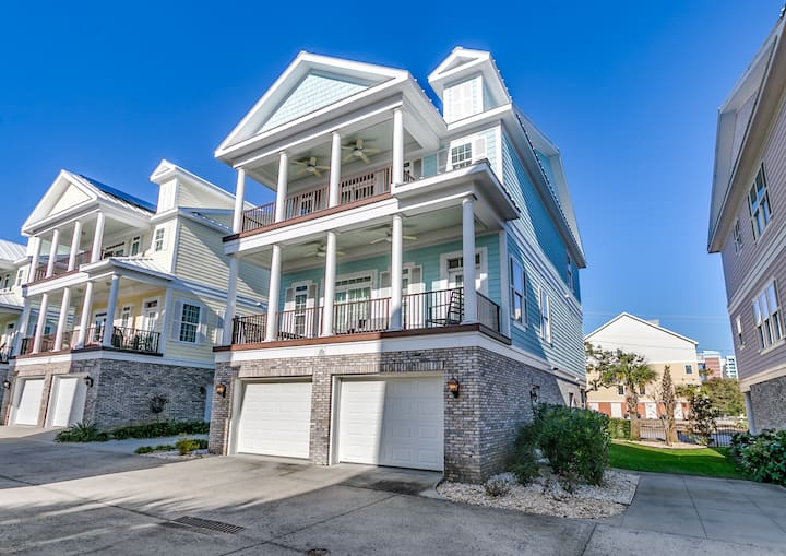 Sands Beach House 308 (5 Bedroom, Sleeps 16)