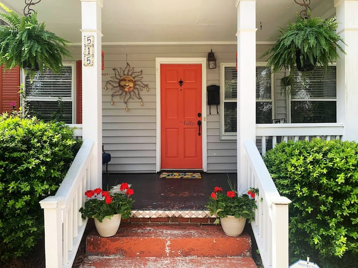 Cute Rosewood Cottage