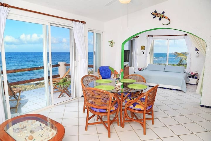 Top Floor Panoramic Caribbean Views & Pool!