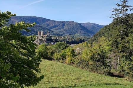 Chambre avec petit déjeuner à Foix