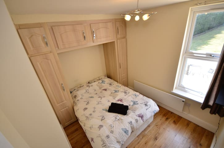 Modern&well appointed 1Bed flat in a famous house