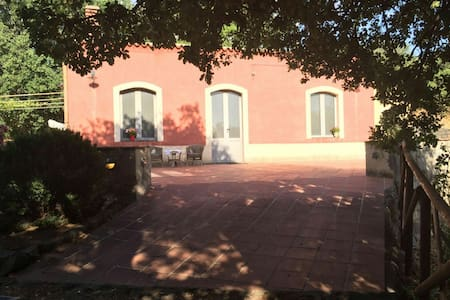 Villa siciliana sull'Etna - Etna Adrano