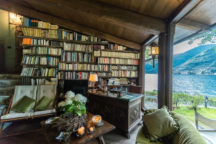 The Writer's Nest on the Lake Como